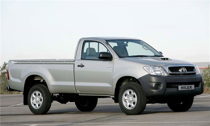 730x439 > Toyota Hilux Wallpapers