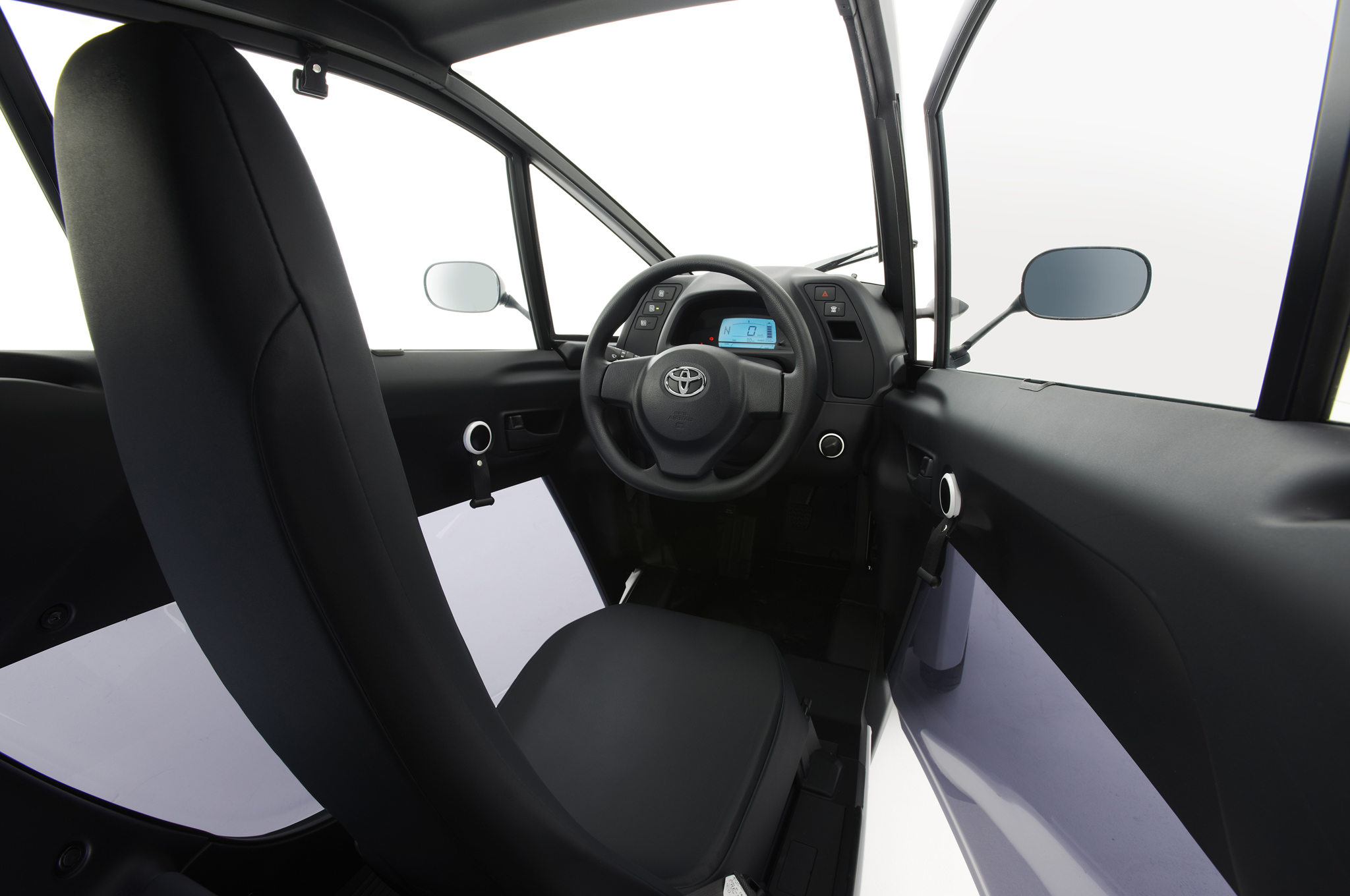 Images of Toyota I-road | 2048x1360