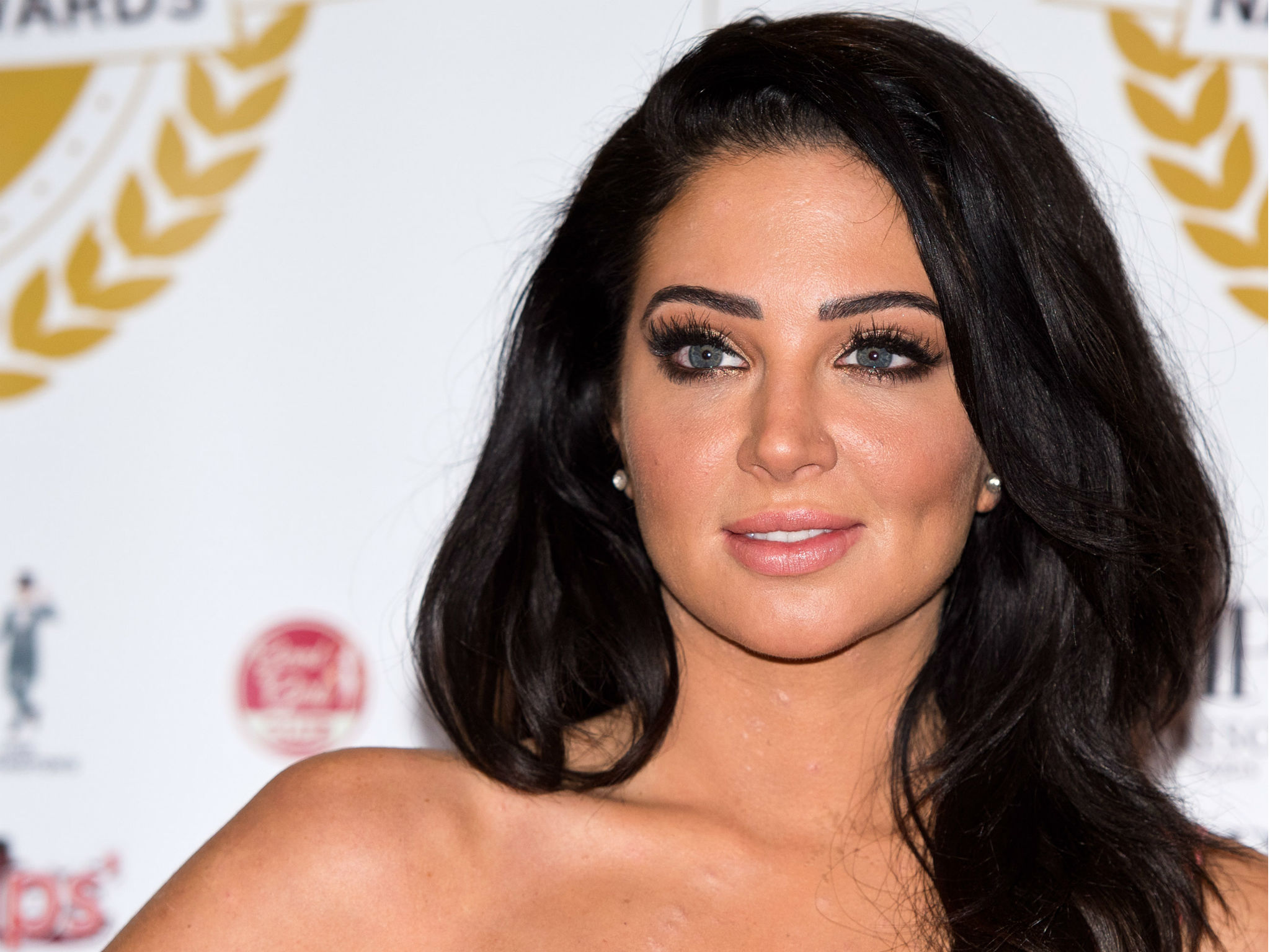 2048x1536 > Tulisa Wallpapers