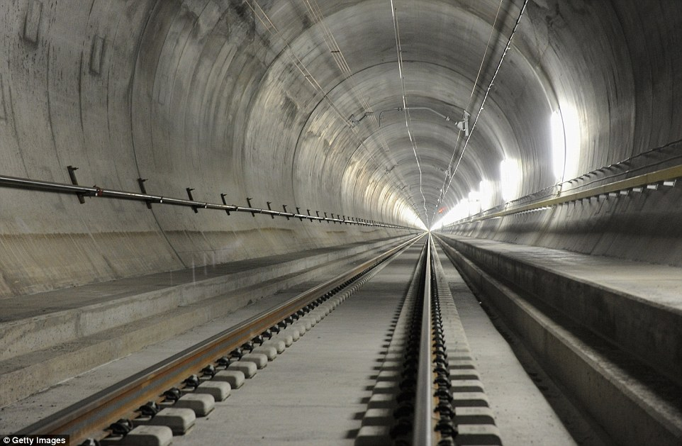 Images of Tunnel | 962x629
