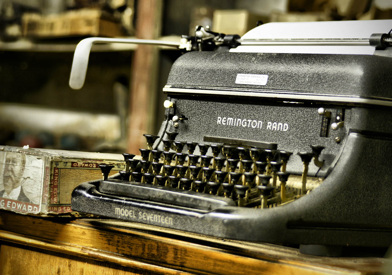 HD Quality Wallpaper | Collection: Man Made, 1280x898 Typewriter