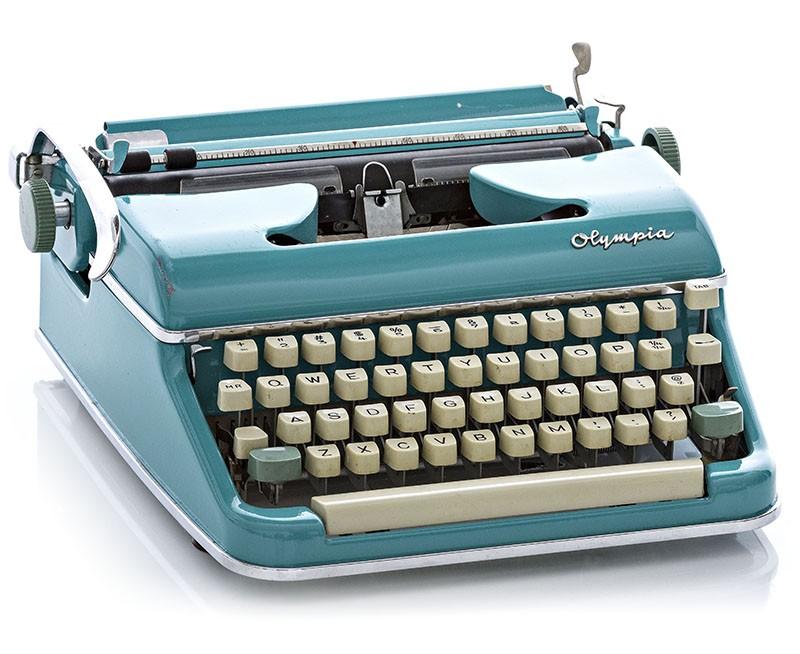 HQ Typewriter Wallpapers | File 111.52Kb