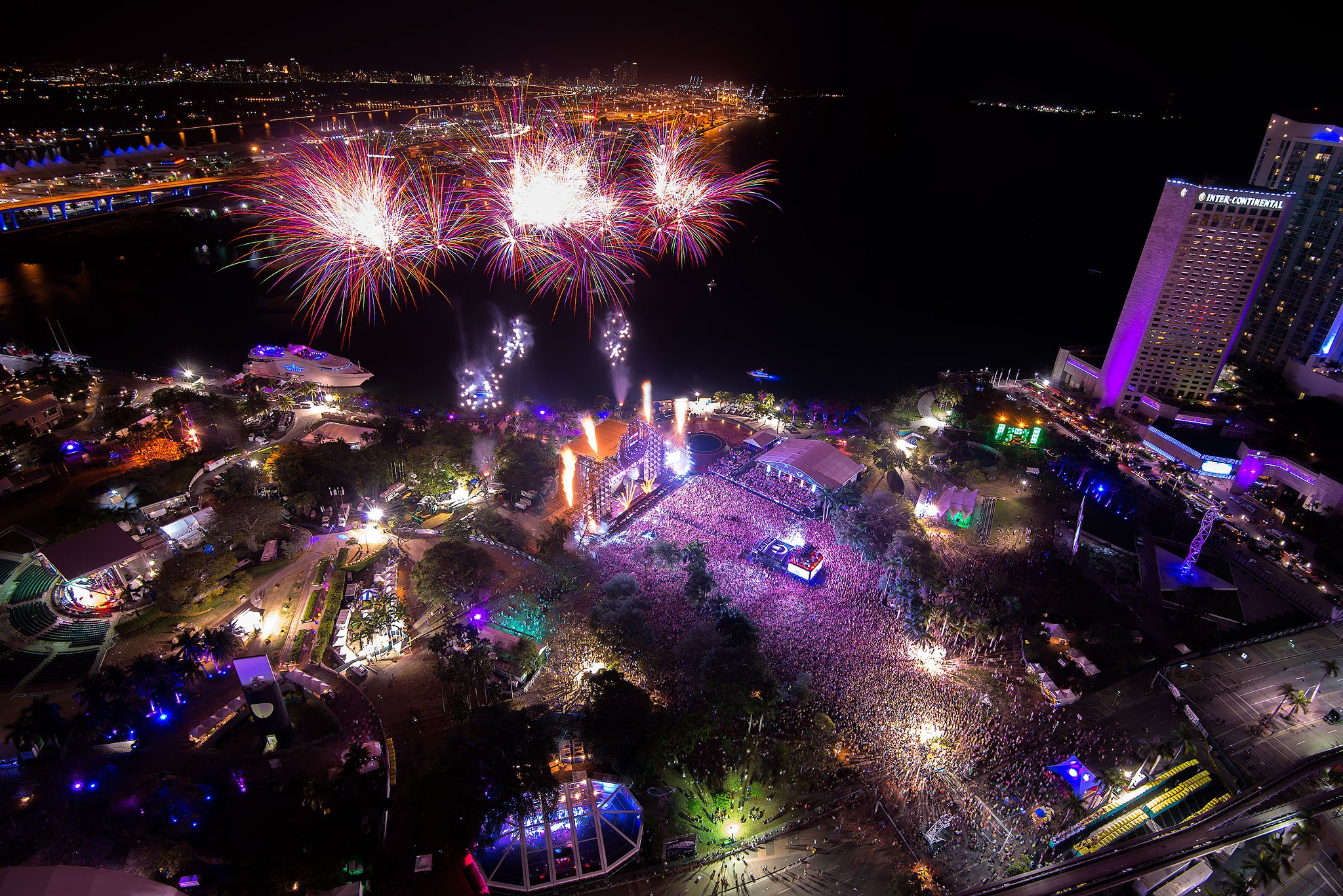 Images of Ultra Music Festival   2048x1366