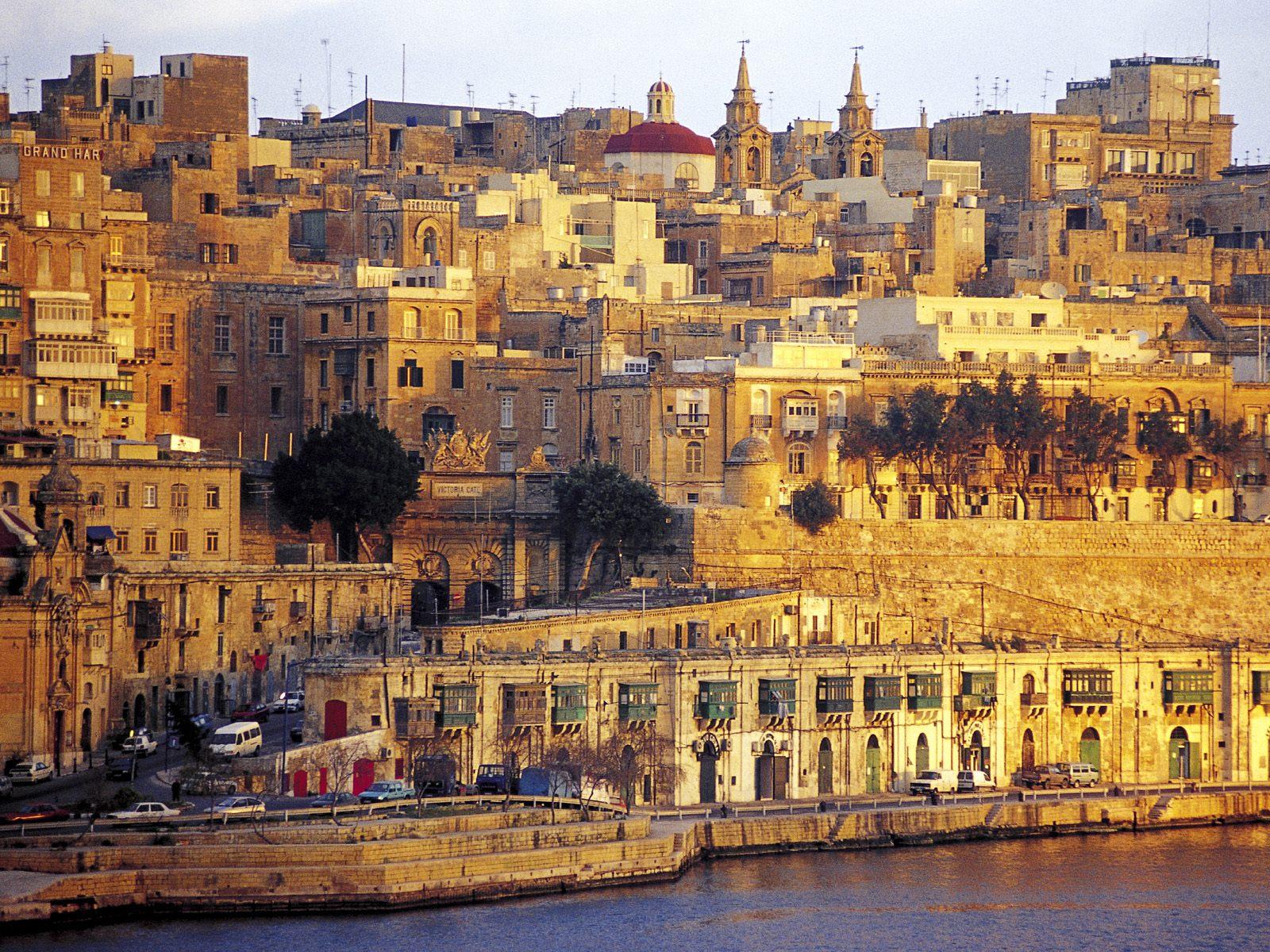 High Resolution Wallpaper | Valletta 1600x1200 px