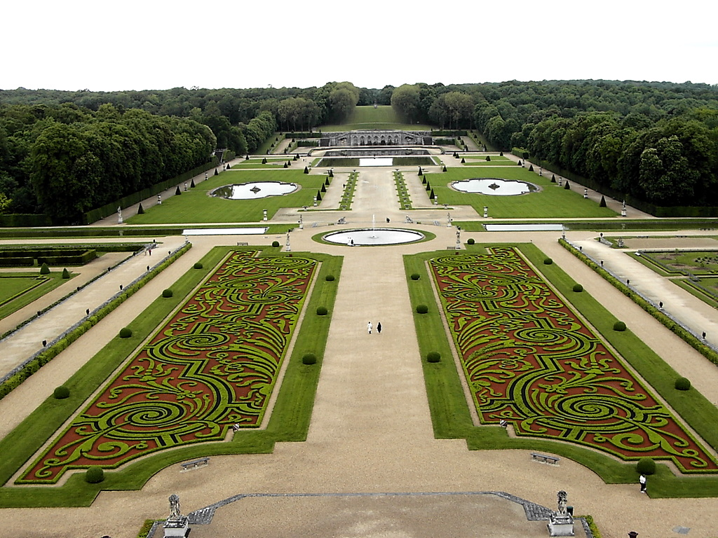 Amazing Vaux-le-Vicomte Pictures & Backgrounds