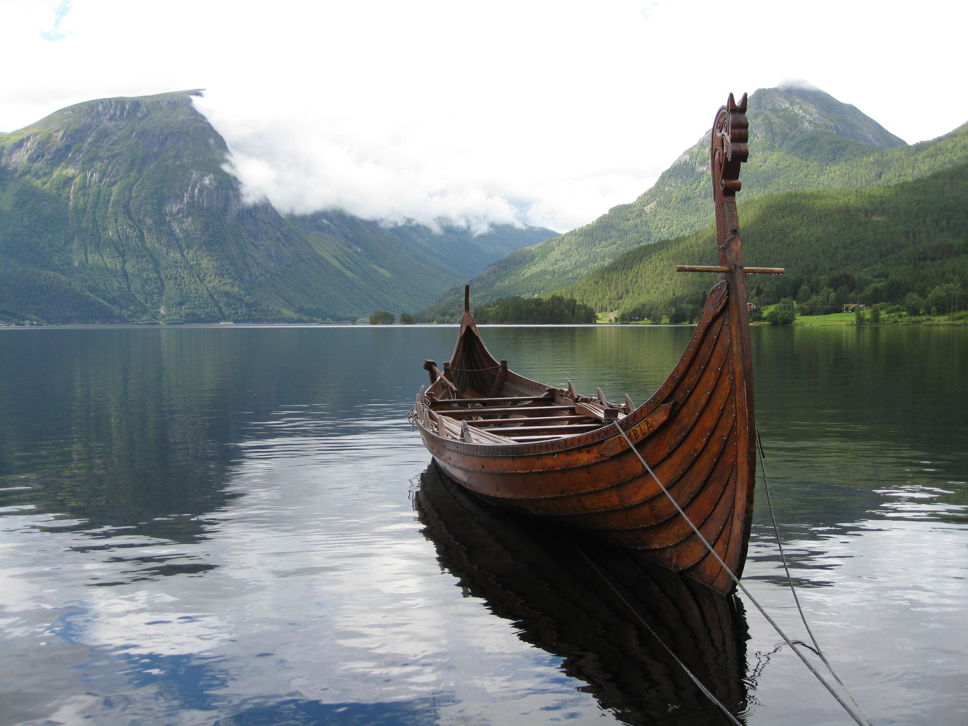 HD Quality Wallpaper | Collection: Artistic, 3264x2448 Viking Ship