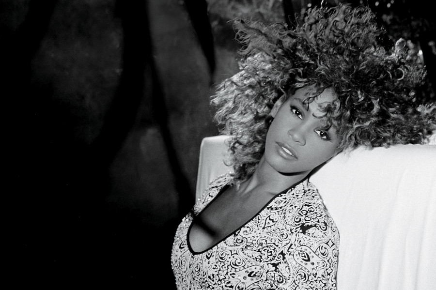 High Resolution Wallpaper | Whitney Houston 900x599 px