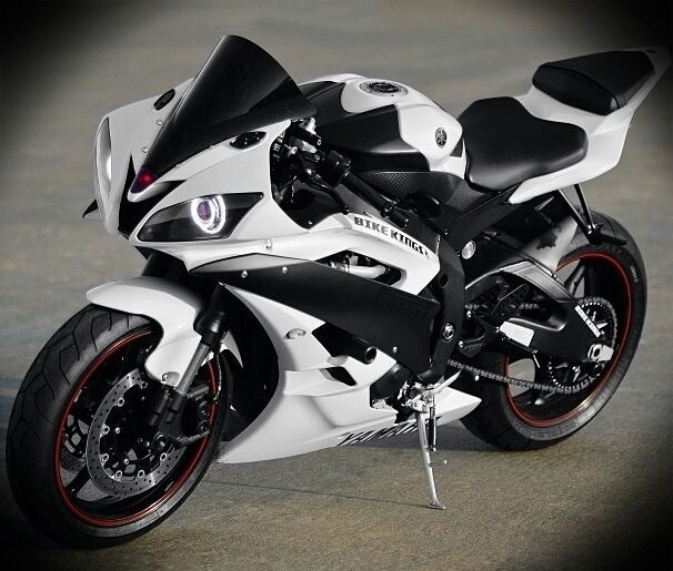 Amazing Yamaha R6 Pictures & Backgrounds