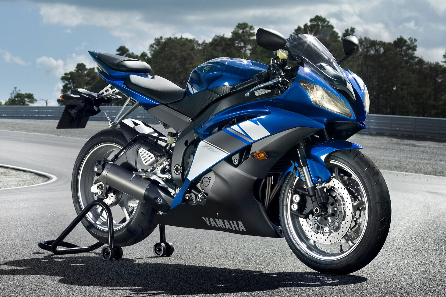 Nice Images Collection: Yamaha Yzf R6 Desktop Wallpapers