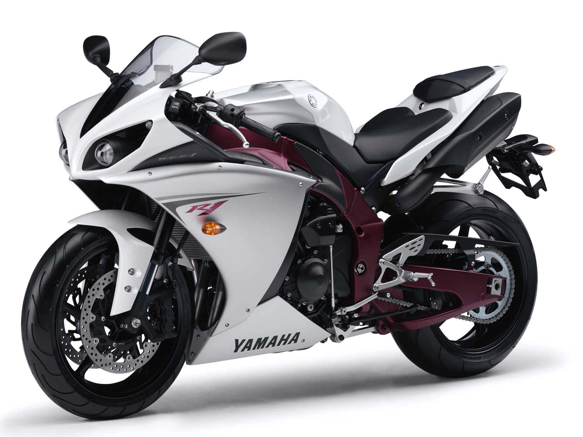 Nice Images Collection: Yamaha YZF-R1 Desktop Wallpapers
