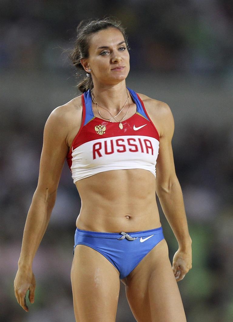 voptyashku-eblya-sportsmenok-legkoy-atletiki-zhenshini-seks