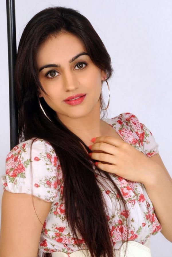 preview Aksha Pardasany