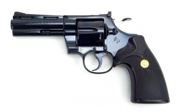 preview Colt Python Revolver
