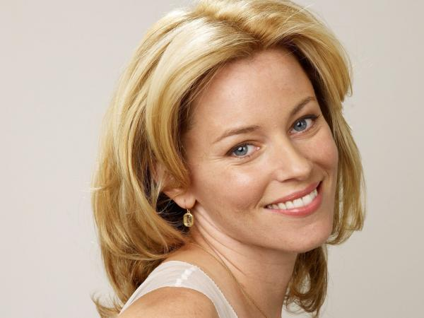 preview Elizabeth Banks