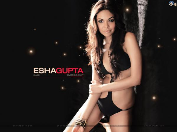preview Esha Gupta