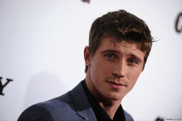 preview Garrett Hedlund