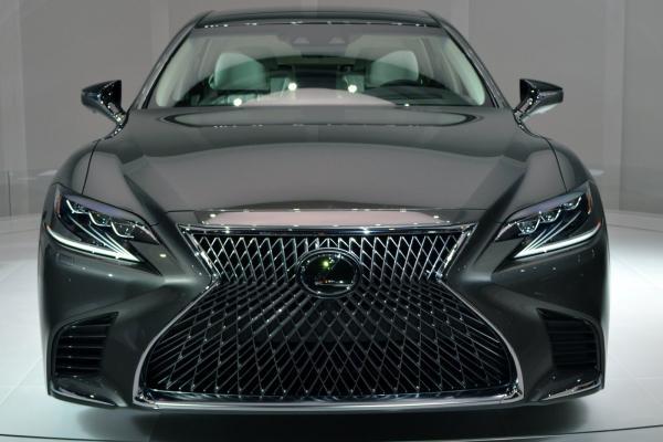 preview Lexus LS
