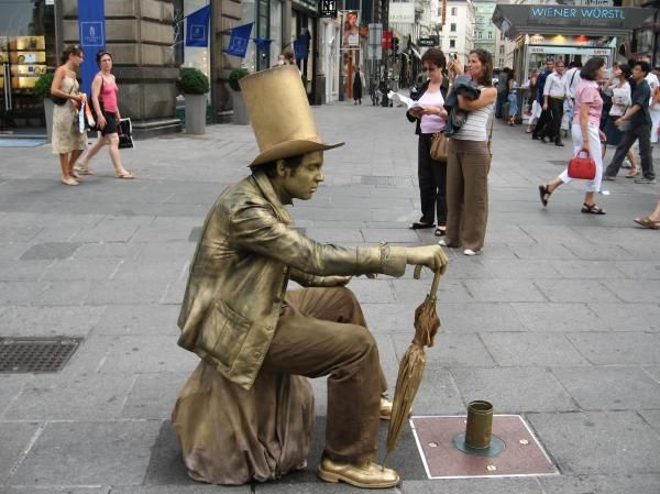 preview Living Statue