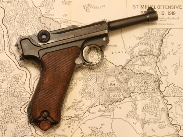 preview Luger P08 Pistol