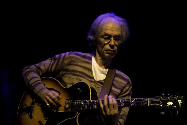 preview Steve Howe's Remedy