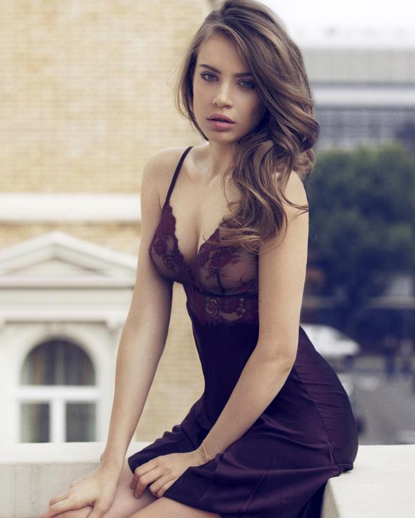 preview Xenia Tchoumitcheva